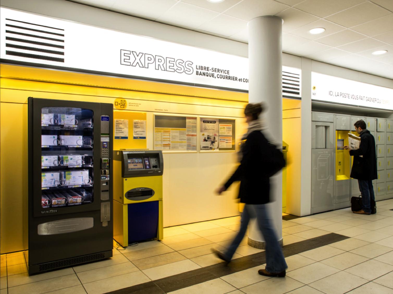 Nouveau concept de bureaux de poste la poste agence w for Bureau la poste